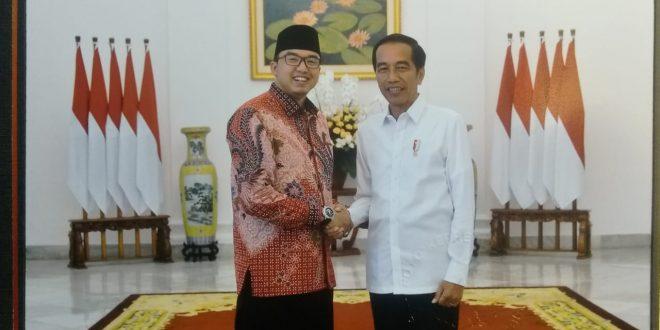 Presiden menerima pengurus Forum Betawi Rempug (FBR) di Istana Bogor bersama Amsori. (dok/FBR)