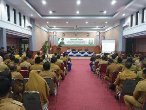 Para peserta sedang mendengar cerama dari Kajati Sulawesi Selatan Tarmizi