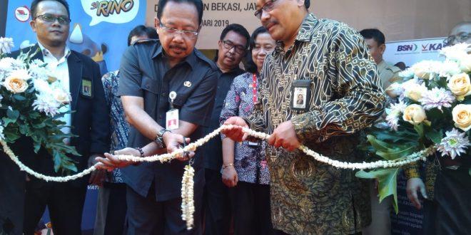 Kepala BSN Bambang Prasetya meresmikan Kantor Layanan Teknis (KLT) di Kabupaten Bekasi, Jawa Barat, tepatnya di Ruko Notredame Blok B-18 Jalan Boulevard Deltamas, Cikarang Pusat. (d)