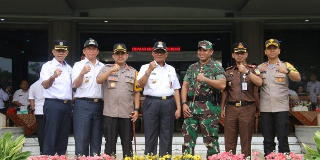 Abdul Khalit, Asisten Pemerintahan Jakarta Utara usai memimpin rakor persiapan pelaksanaan pelayanan terpadu di Kantor Wali Kota Jakarta Utara, Rabu (20/2).