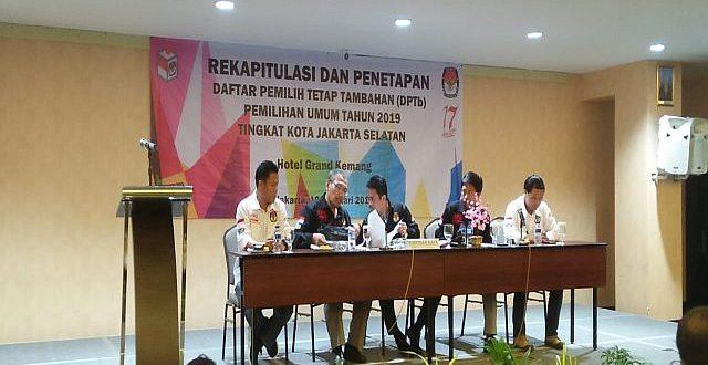 Ketua KPU Jaksel Agus Sudono, Rabu (20/2) saat menetapkan DPTB