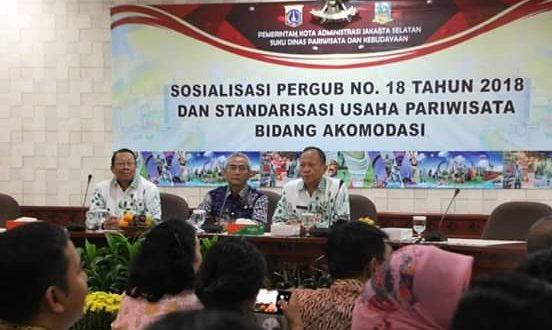 Sosialisasikan Pergub Nomor 18/2018 dan Standarisasi Usaha Pariwisata Bidang Akomodasi di Ruang Pola, Kantor Wali Kota Jakarta Selatan, Kamis (14/3).