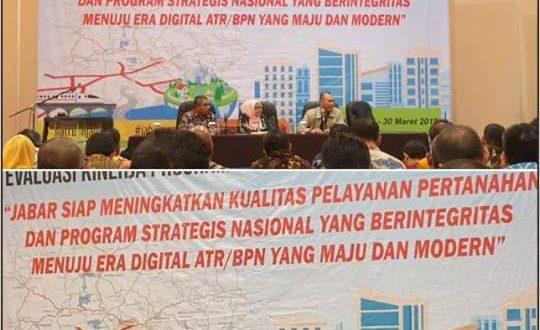 """Evaluasi Kinerja Program Strategis Nasional Triwulan I dengan tema """"Jabar Siap Meningkatkan Kualitas Pelayanan Pertanahan dan Program Strategis Nasional yang Berintegritas Menuju Era Digital ATR/BPN yang Maju dan Modern"""" berlokasi di Hotel Papandayan Bandung, Jumat (29/3). (foto BPN Bandung)"""