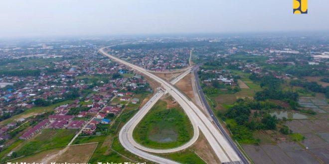 Biaya logistik dan meningkatkan daya saing, pembangunan jalan tol trrus dikebut.