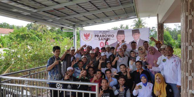 Pengurus Rumah Pemenangan Hang Jebat silaturahmi dan dialog bersama Barpas Nusantara Bogor dan berbagai perwakilan komunutas di Pamijahan Bogor.