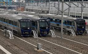 Moda Raya Terpadu (MRT) dan Light Rail Transit atau Lintas Rel Terpadu (LRT).