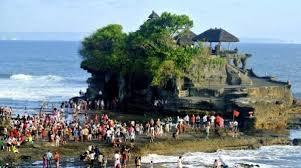 Kementerian Pariwisata (Kemenpar) memperkenalkan konsep Pariwisata Berkelanjutan (Sustainable Tourism).