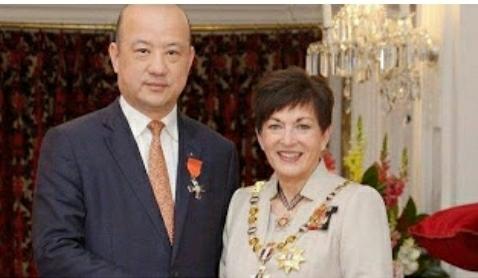 Wali Kota Auckland dan pengusaha China
