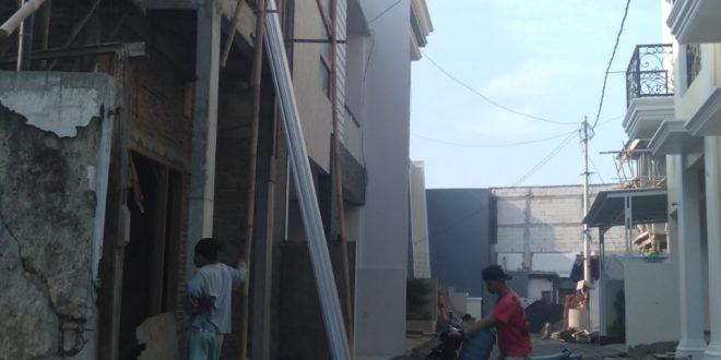 seperti di Jalan Gunuk Ciliwung RT09/05 membangun 12 unit cluster mewah dua lantai